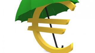 Euro-Zeichen mit Regenschirim