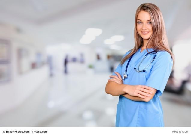 Krankenschwester im Krankenkaus