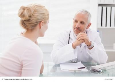 Arzt im Patientengespräch
