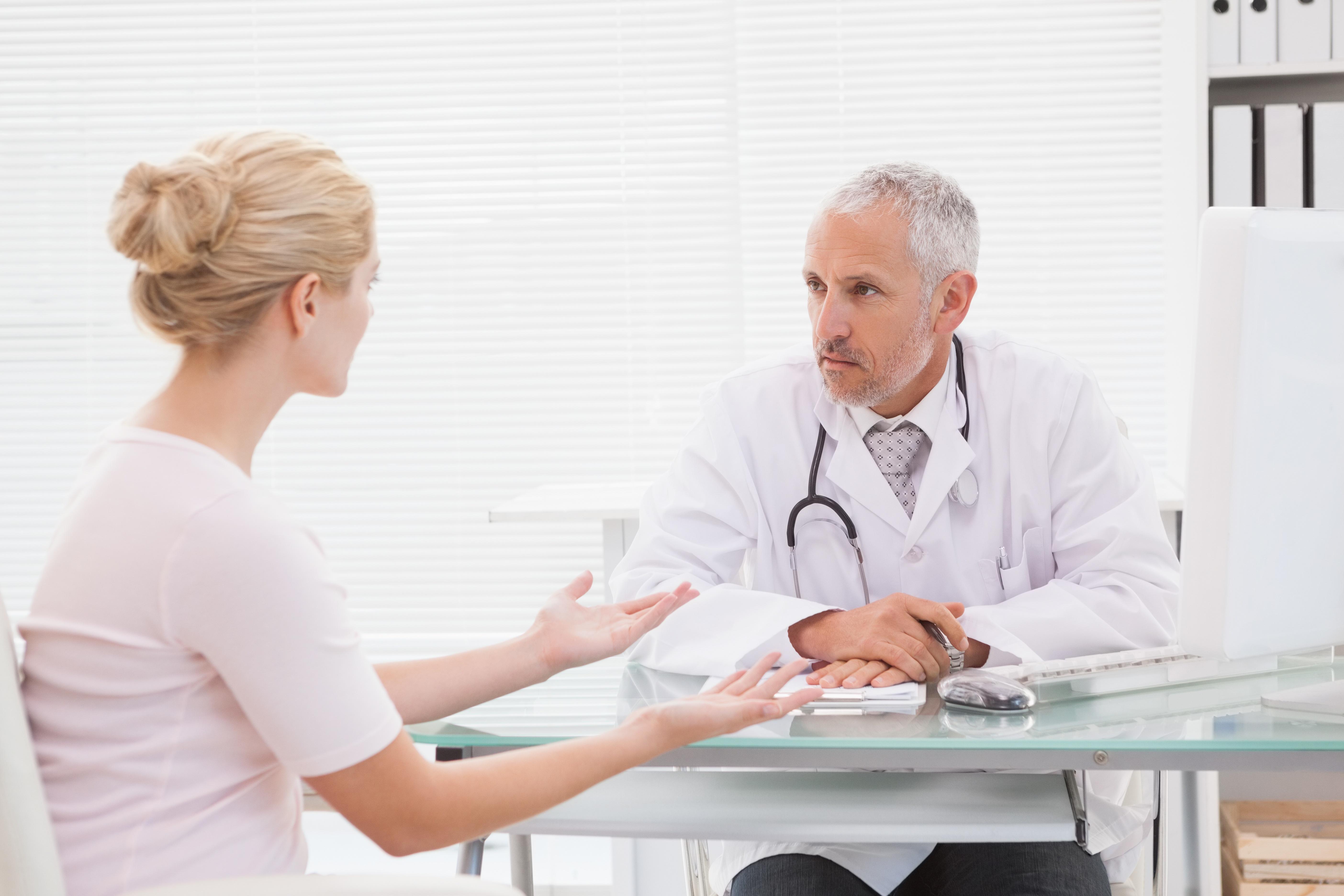 Arzt-Patienten-Gespräch in der Praxis