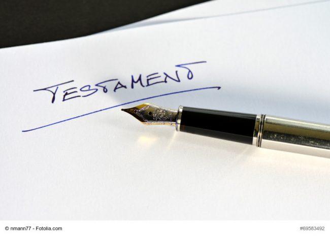 Stift auf einem Testament