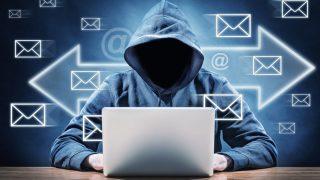 Hacker am Laptop