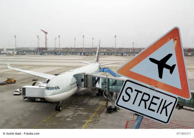 Streikschild am Flughafen