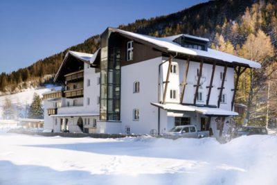 Außenansicht Valluga Hotel