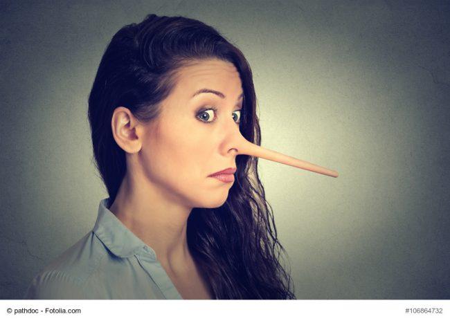 Frau mit Pinocchio-Nase