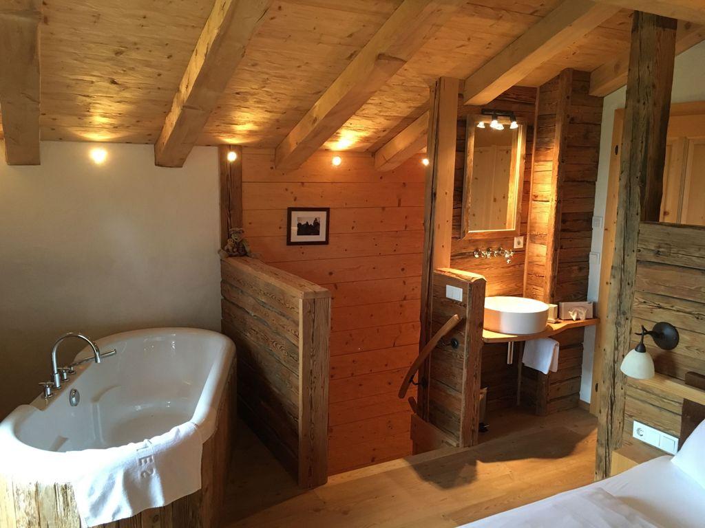 Badezimmer im Chalet im Chaletdorf Puradies