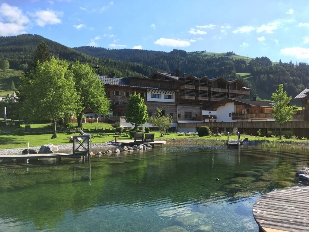 Teich am Chaletdorf Puradies