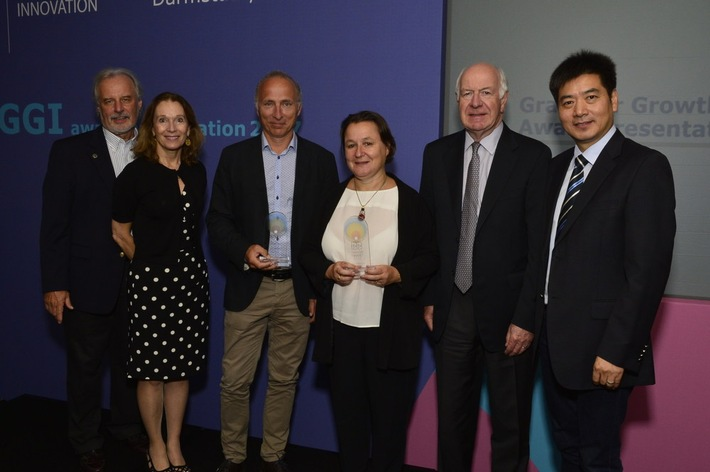Winners and members of the independent Scientific Steering Committee at the GGI award ceremony