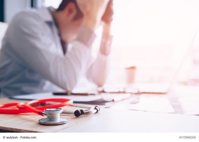 Arzt gestresst