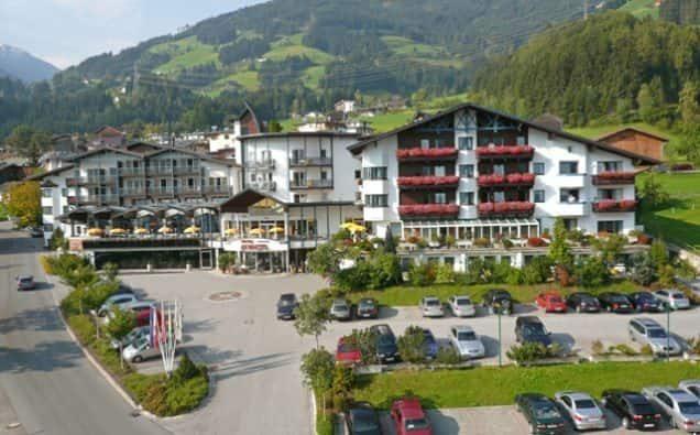 Außenansicht Hotel Schiestl Zillertal