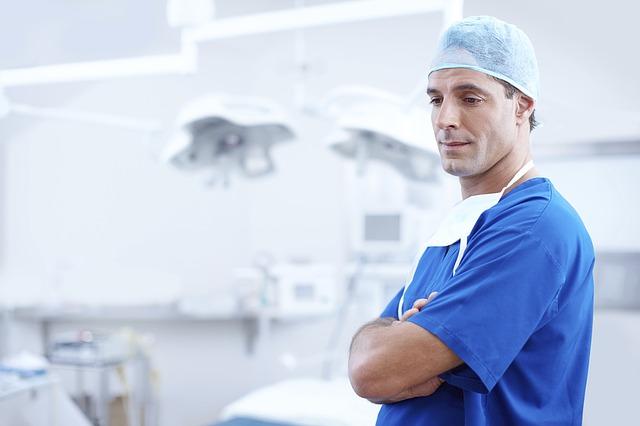 Arzt im OP