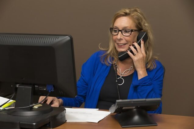 Hotline Mitarbeiterin