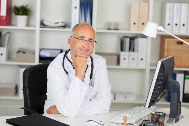 Zufriedener Arzt