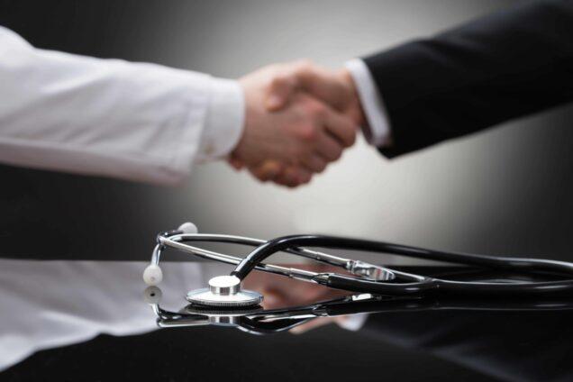 Arzt, Arztpraxis, Handschlag