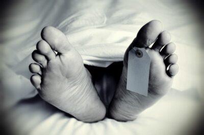 Füße einer Leiche