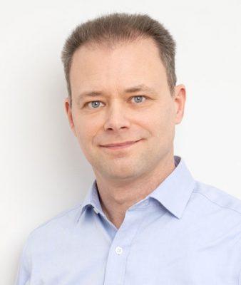 Professor Sassenberg von der Eberhard Karls Universität Tübingen ist Psychologe und Leiter der Arbeitsgruppe Soziale Prozesse am Leibniz-Instituts für Wissensmedien