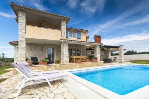 Ferienhaus im Süden mit Pool