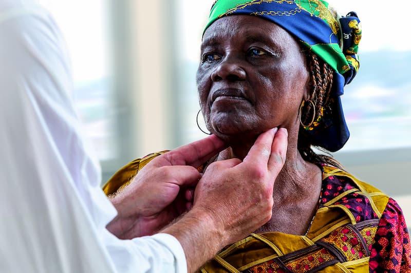 Ausländische Patientin beim Arzt