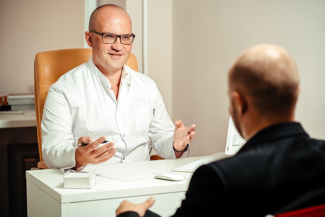 Psychotherapeut mit einem Patient