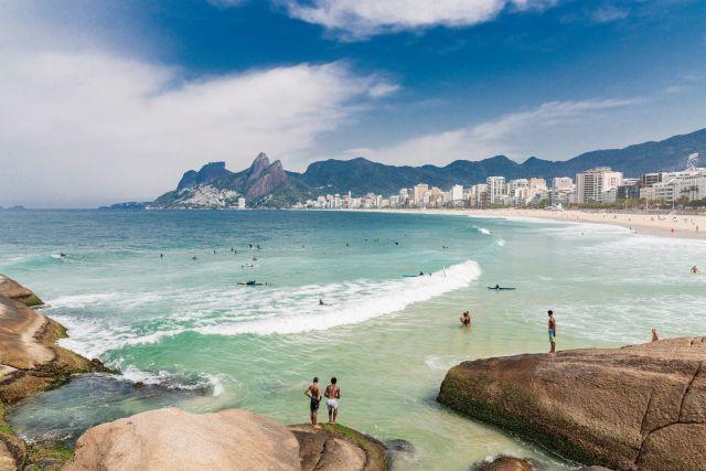 Strand mit Urlaubern