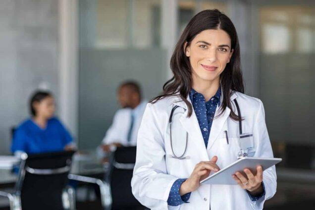 Ärztin in der Klinik