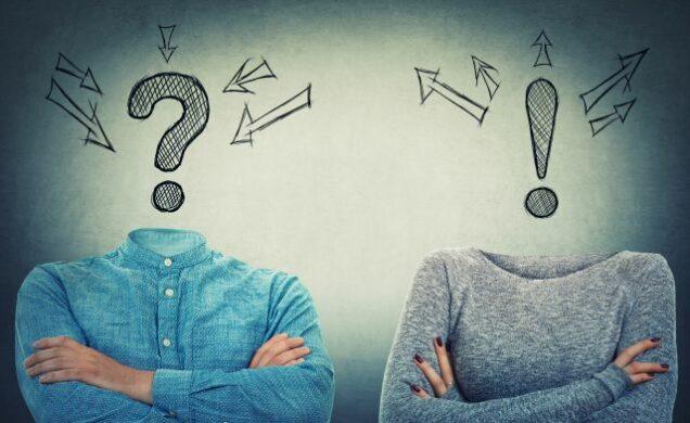 Zwei ratlose Personen, eine mit Fragezeichen als Kopf und eine mit Ausrufezeichen