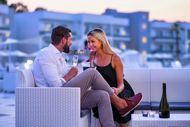 junges Paar im Aldiana Club Calabria, Italien