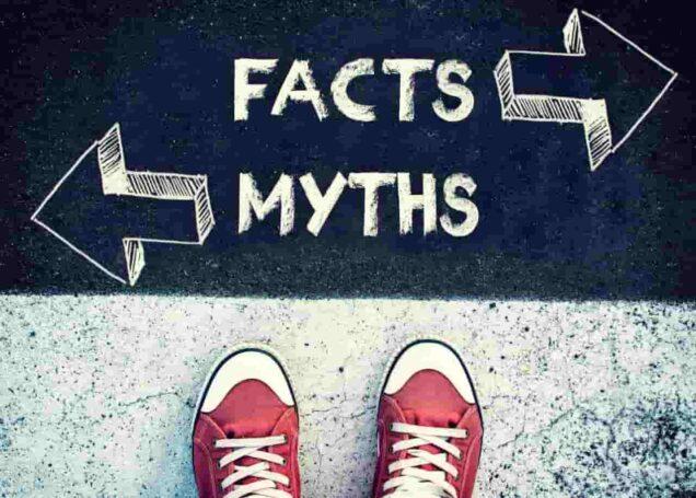 Ein Schild mit der Aufschrift Facten vs Mythen