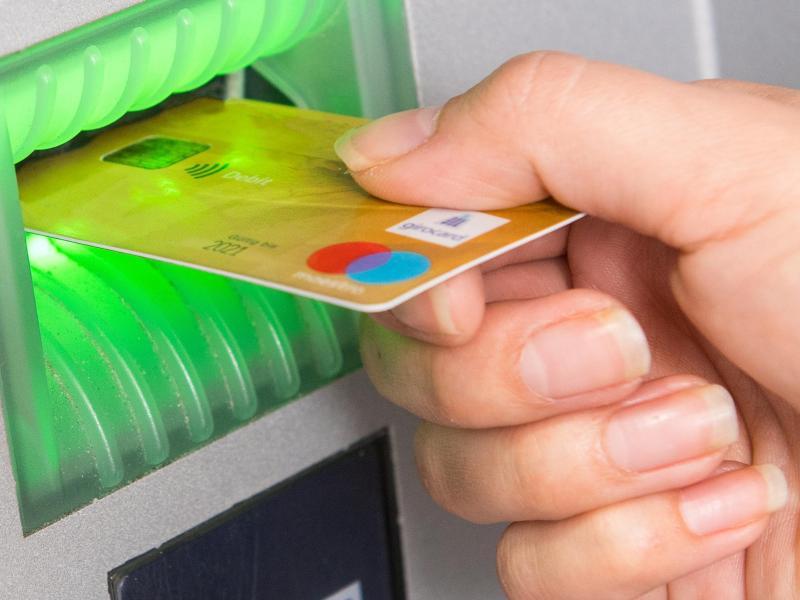 Ec Karte und Geldautomat