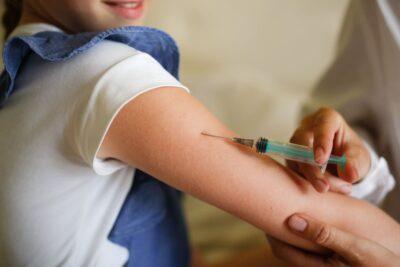 Corona-Impfung bei einem Kind