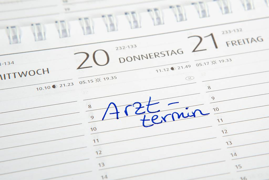 Kalender mit einem Eintrag für einen Arzttermin