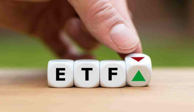 Würfel mit der Aufschrift ETF