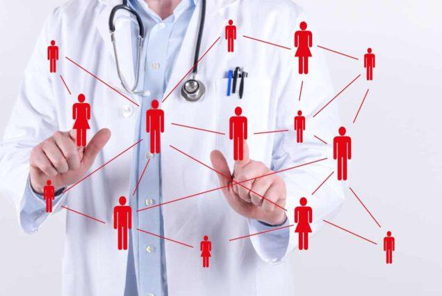 Arzt mit Figuren