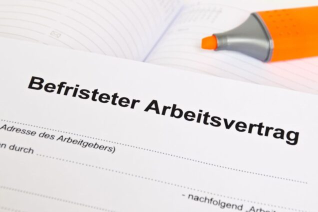 Dokument mit der Aufschrift Befristerer Arbeitsvertrag